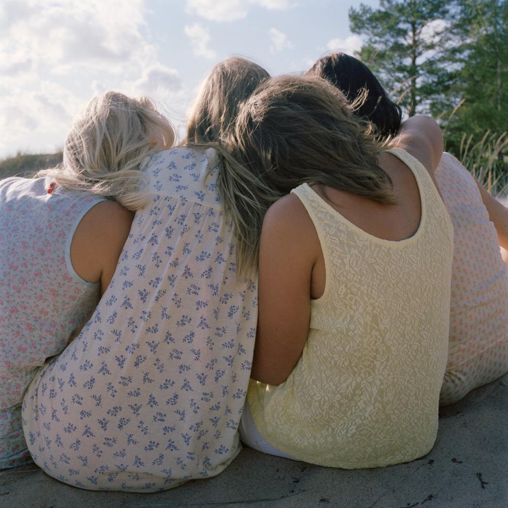 Betwee_The_Girls- (4).jpg