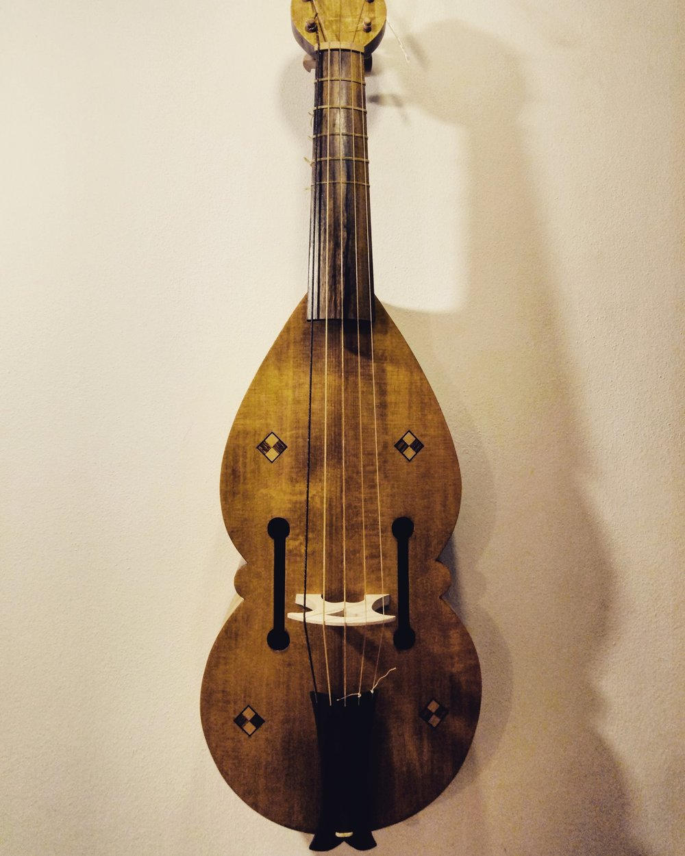 King David tenor fiddle  54 cm string length All-gut stringing  €1400