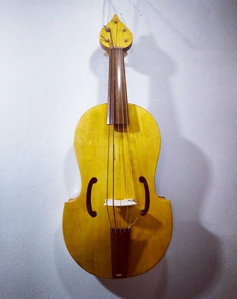 "Viola da Braccio ""Parnassus""  37 cm string length  €1100"