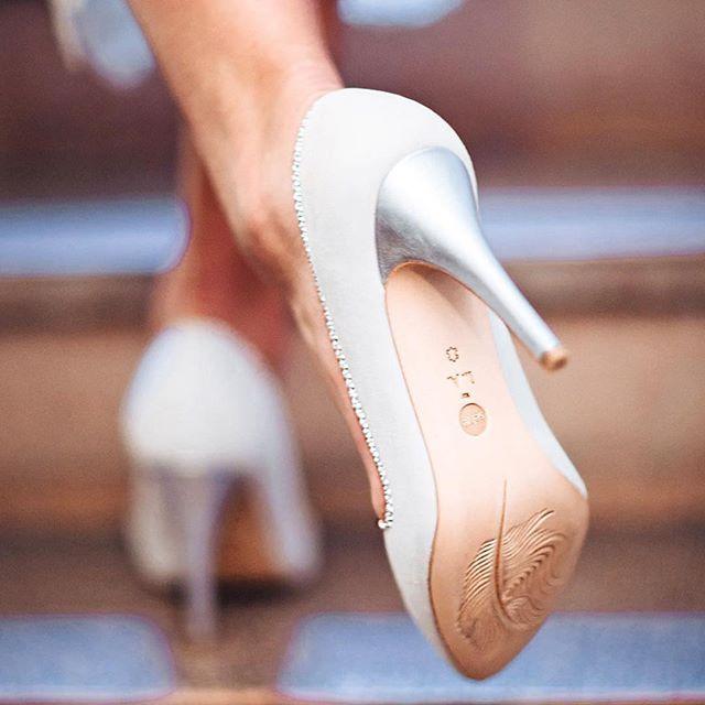 detail shot of CRYSTAL walking up the stairs. #brautschuhe #shoedesign by @leila.alavi_ in white with crystal details. #beautiful #feminine #modern - #loveatfirstsight  #wedding #bride #hochzeitswahn #bridalshoes #jewels #instashoes #bridal #glockenbachviertel  #shoestagram  #handmadeshoes #munichgirl #footweardesign #shoefie #creative #illustration #artdirection #fashion #fashionillustration #luxuryshoes #shoeaddict #designer #shoeblogger #fashionista #love