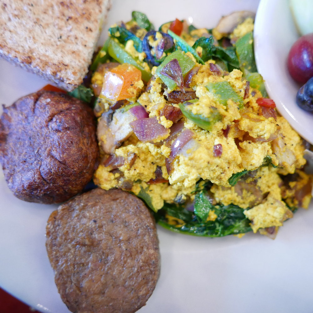 Tofu scramble with veggie sasauge
