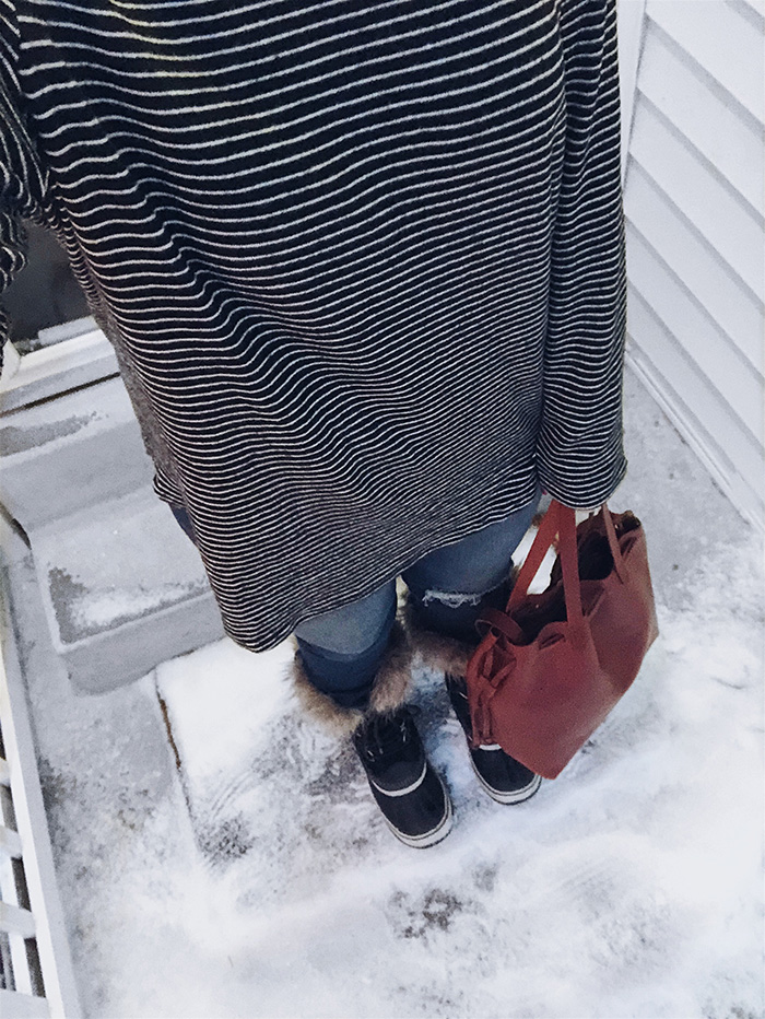 outfit details:   striped top   //   jeans   //   sorel boots   //   leather bag