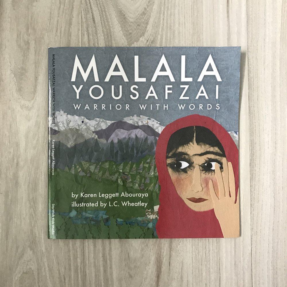 Casi finalizando #WomensHistoryMonth, hoy- (después de una larga ausencia porque la vida diaria llama), comparto Malala Yousafzai:Warrior With Words de Karen Leggett Abouraya. La autora cuenta la vida de Malala desde su nacimiento, su familia, su hogar, su país, su blog bajo un seudónimo y el incidente que como bien dice ella misma, no cambió su vida. Leggett Abouraya incluye frases que Malala escribiese en su blog mientras aún vivía en Pakistán y que pronunciase en discursos luego del mencionado incidente. K.L. Abouraya logra captar en un lenguaje llano y no crudo, y con hermosas ilustraciones mixed-media de L.C. Wheatley, la esencia de la vida de Malala en pocas páginas. ¡Qué reto tengo como madre, tía, amiga, educadora de enseñar a nuestros niños a defender sus creencias y a exigir respeto! Tenemos la dicha de contar con ejemplos apropiados como el de Malala, que a su corta edad luchó y continua luchando por sus derechos, siendo fiel cumplidora de sus deberes. Alex- Mi reto siempre… Ser tu ejemplo. Que puedas crecer y decir con orgullo lo que yo puedo decir hoy: crecí en un hogar donde se promovía siempre el amor, la tolerancia y el respeto, y donde nos enseñaron respetuosamente a defender nuestros derechos y creencias. Puedes adquirirlo aquí