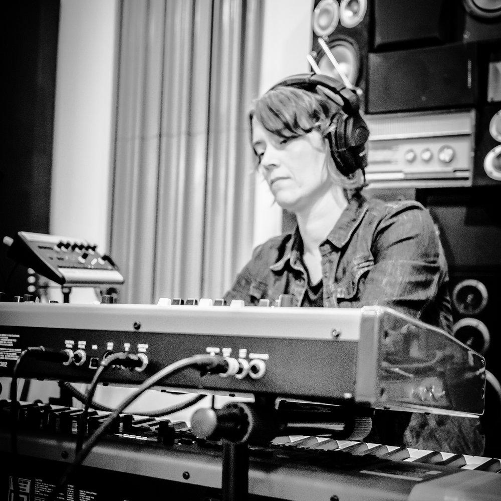 Kirsten Boersma  - piano, Hammond organ, Wurlitzer, backing vocals