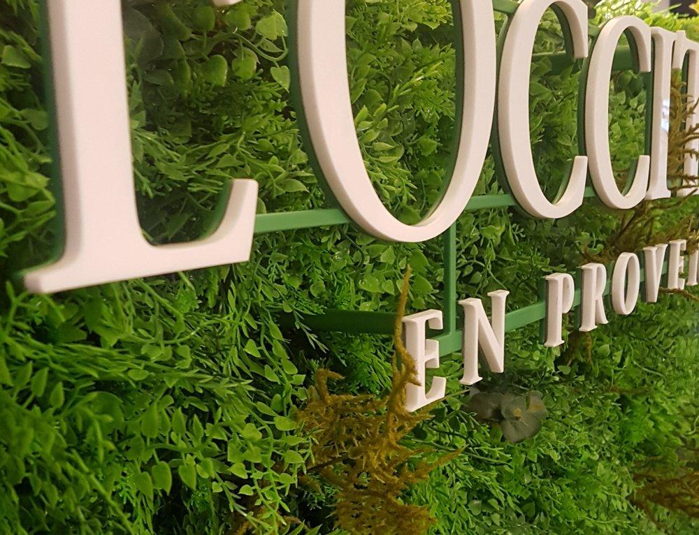 L'Occitane bespoke flower wall close up.jpg