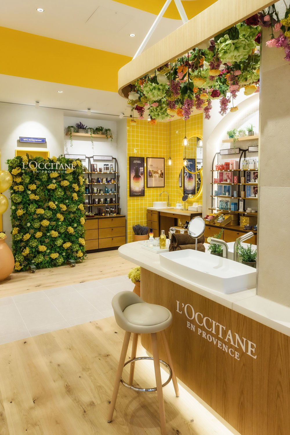 So Visualise flower wall. L'Occitane .jpg