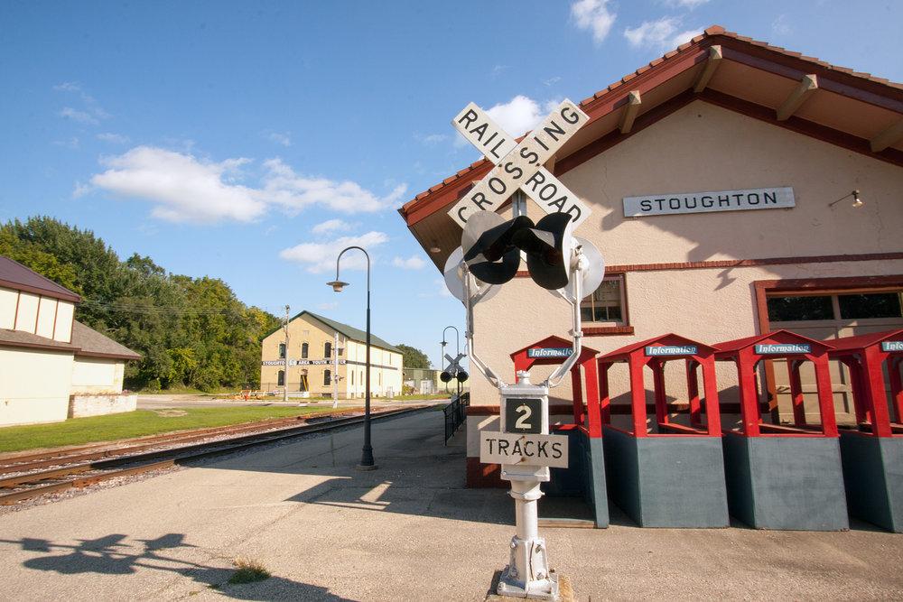 Stoughton Depot 8x12 8537.jpg