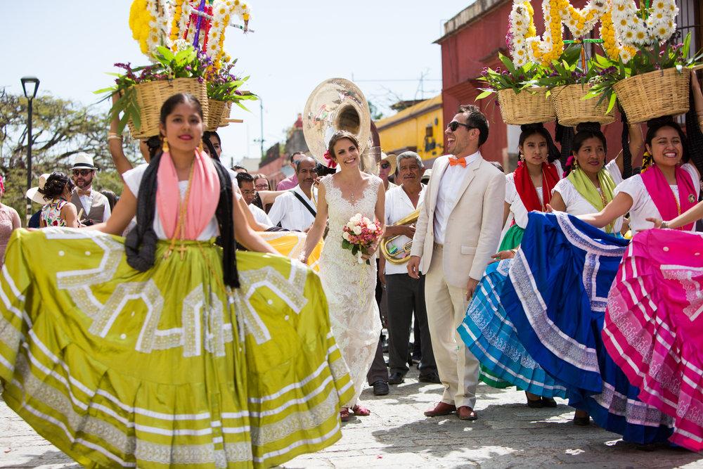 Ceci and Carolos Wedding Album Selects-0005.jpg