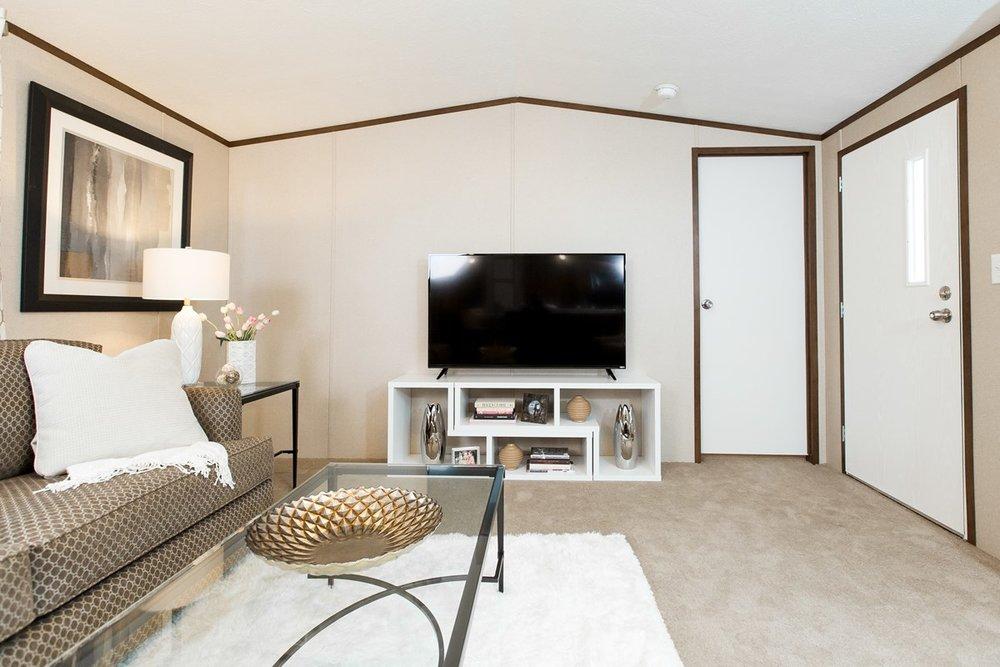 Manufactured-BLISS-42TRU14562AH-Living-Room-20180516-0922588899299.jpg