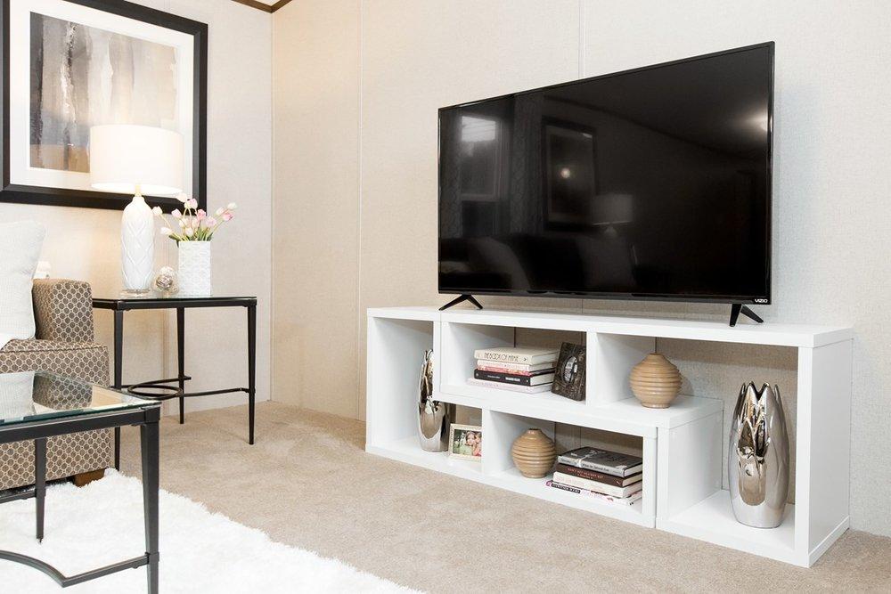 Manufactured-BLISS-42TRU14562AH-Living-Room-20180516-0922593586899.jpg