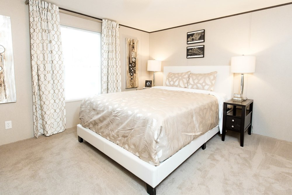 Manufactured-BLISS-42TRU14562AH-Master-Bedroom-20180516-0922595774439.jpg