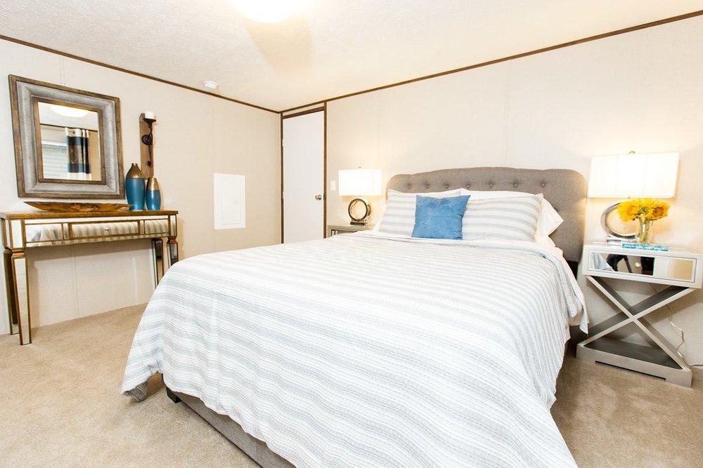 Manufactured-GLORY-47TRU14763BH-Master-Bedroom-20180516-0916021894049.jpg