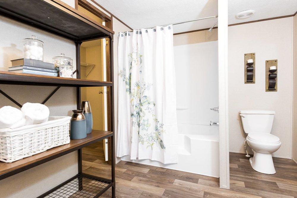 Manufactured-THRILL-21TRU28563RH-Master-Bathroom-20170323-1523169114213.jpg