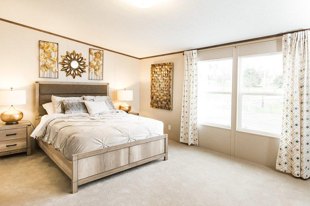Manufactured-PRIDE-36TRU28684RH-Master-Bedroom-20170323-1415552519909.jpg