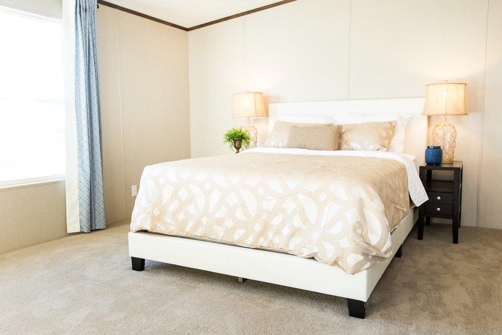 Manufactured-WONDER-36TRU28724RH-Master-Bedroom-20170323-1556413905981.jpg