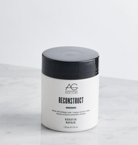 Le masque Reconstruct d'AG Hair nourrit, répare et protège les cheveux en profondeur grâce à son complexe de protéines et de kératine.