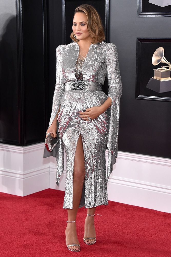 hbz-grammys-best-dressed-chrissy-teigen-1517192051.jpg