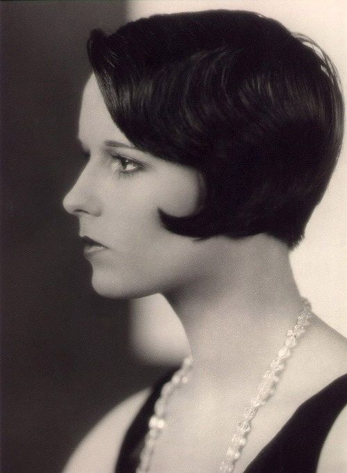 PINTEREST: Une image de l'actrice Louise Brooks, qui a contribué à la popularité de la coupe carrée.