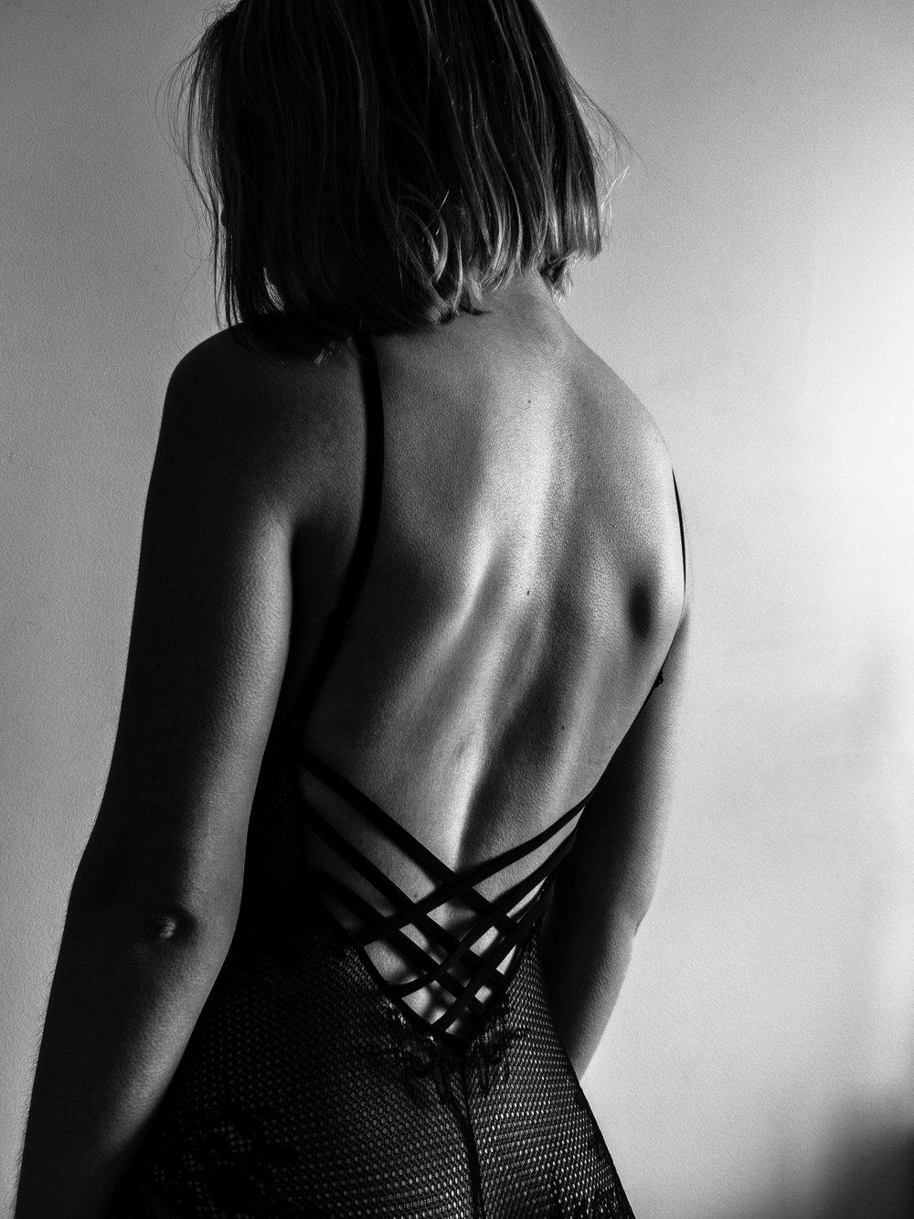 Une femme qui se coupe les cheveux est une femme qui s'apprête à changer de vie. - Coco Chanel