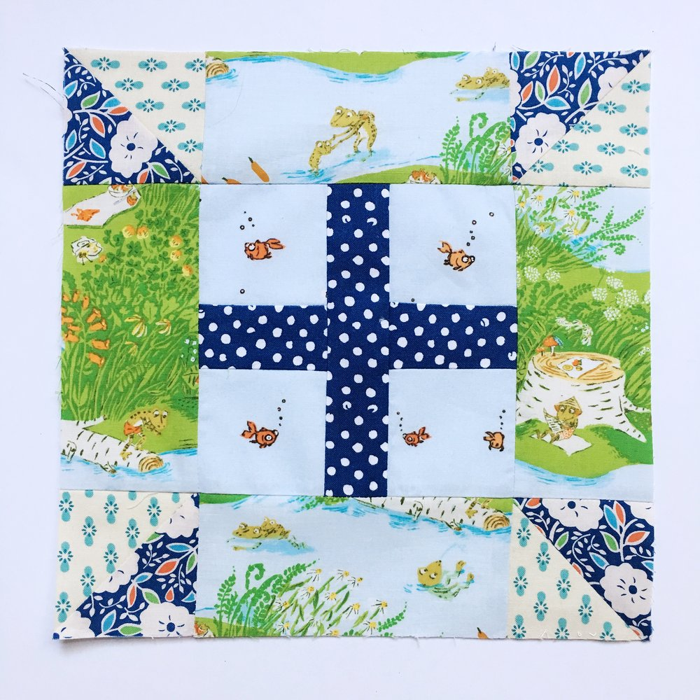 we love this how Kim of Go-Go Kim used these frogs and fish to create a playful outdoor scene!