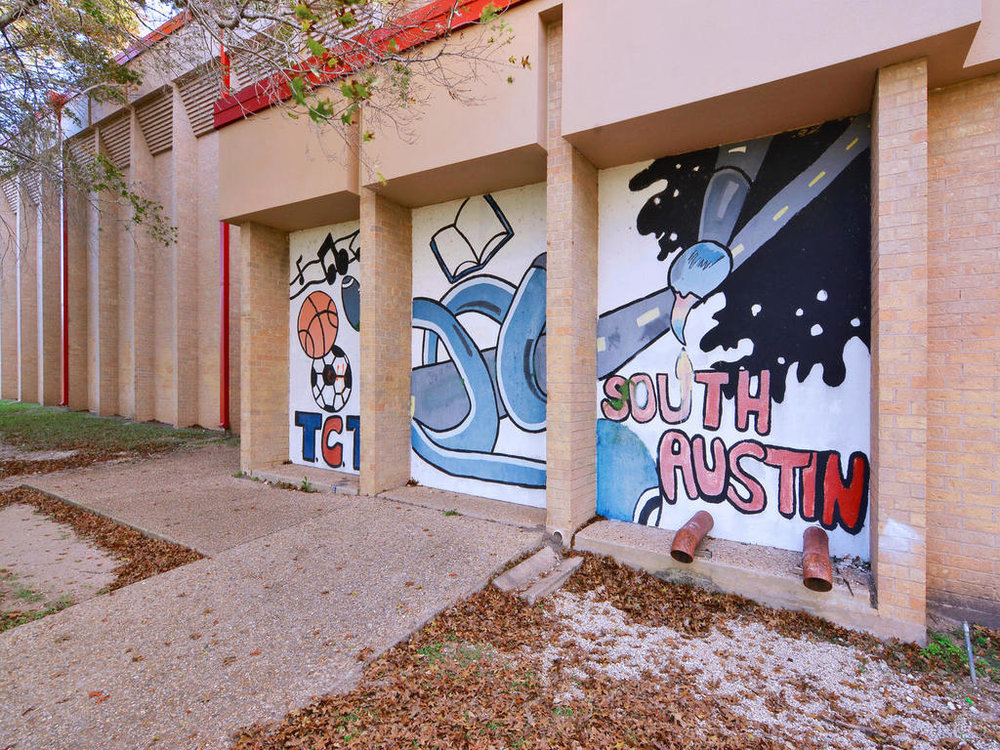 1 Main St-MLS_Size-038-15-South Austin Recreation Center-1024x768-72dpi.jpg