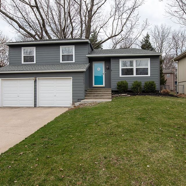 """🔥 NEW LISTING 🔥 coming in hot tomorrow in Olathe! She's move in ready and waiting for someone else to call her """"home."""" So much new, it's practically worry free! New windows, roof, gutters and A/C! Get on your boots and hustle over!  16213 W. 125th Terrace 3 🛏 