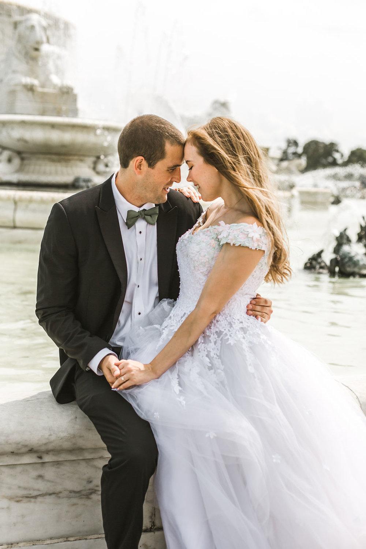 bride and groom belle isle fountain wedding