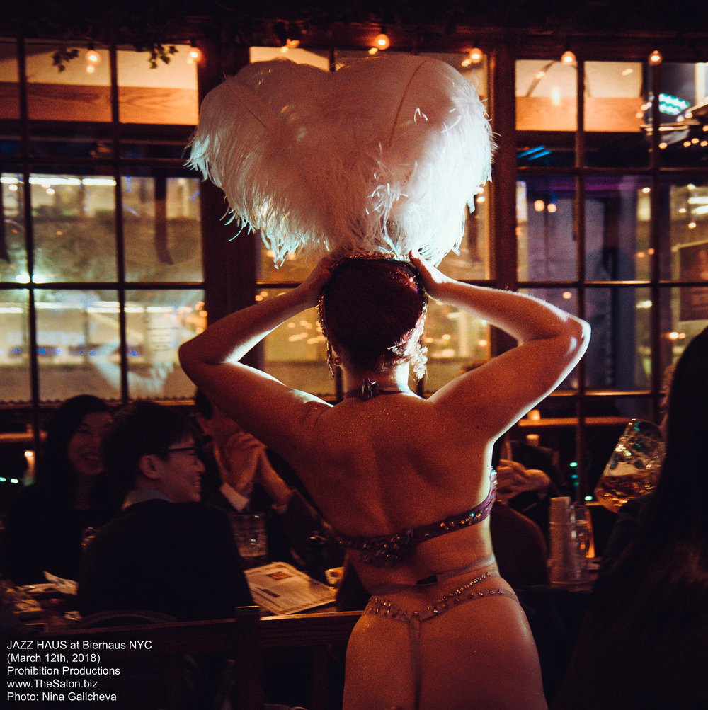 32_JAZZ-HAUS__burlesque__DSC_8732_NG_photocredit-Nina-Galicheva.jpg