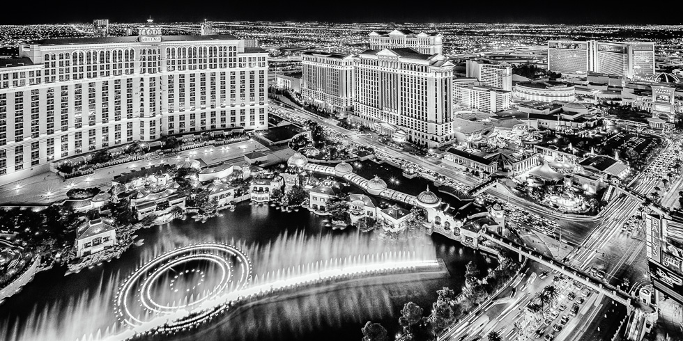 Bellagio water fountains and the Las Vegas Strip at night