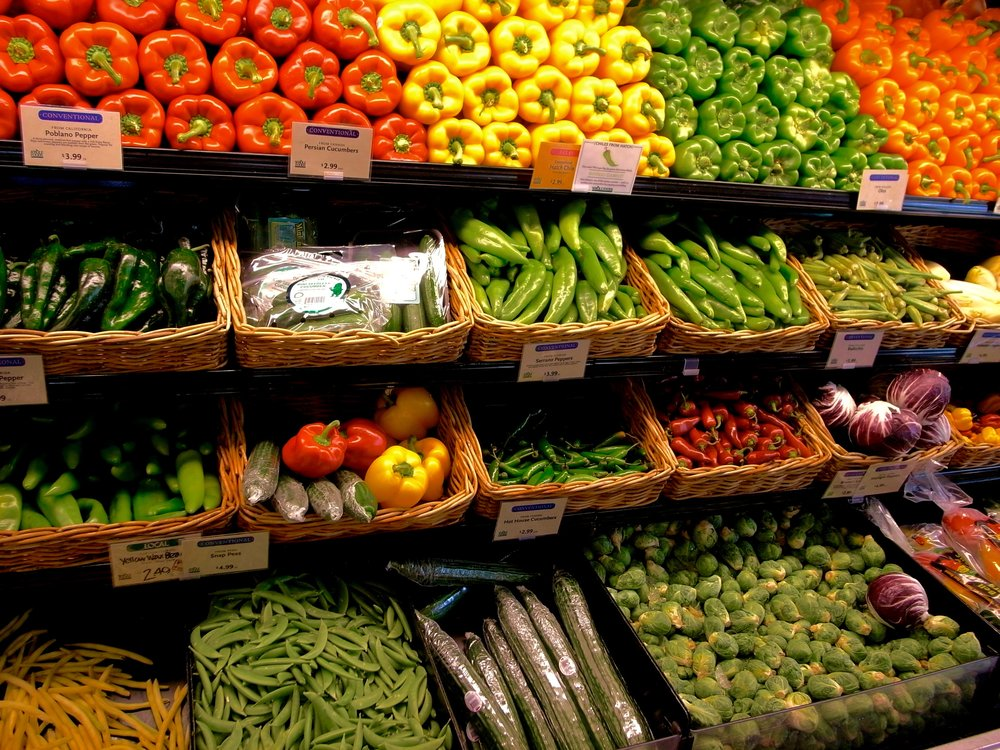 RETAIL  Our product catalogue is designed to fulfill the needs of supermarkets, health stores and all kinds of traders, large and small. Farm fresh and local are most appealing to today's modern consumer, whose buying decisions are also influenced by working conditions, sustainability and production methods.   Plan a visit to see how we can provide fresh produce that meets your needs in terms of quality and cost.