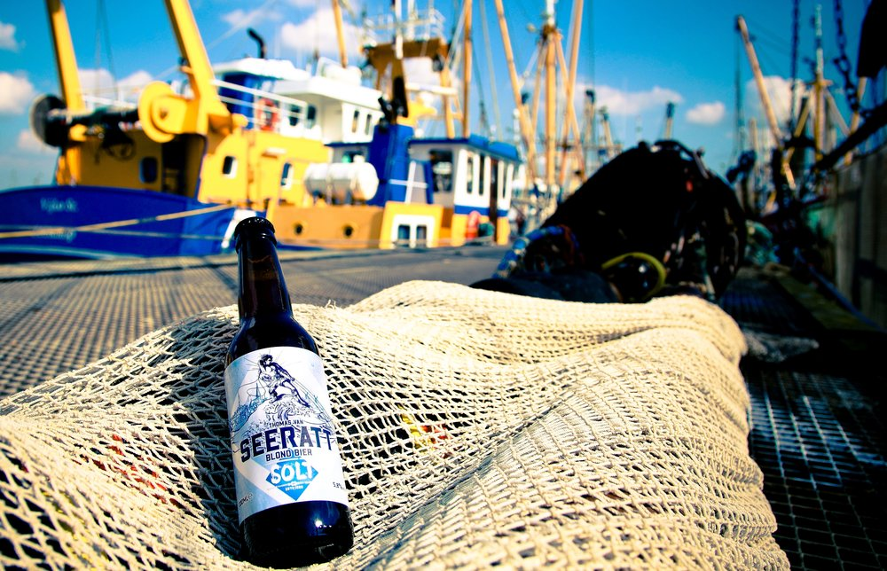 Soltbier in de Haven van Lauwersoog