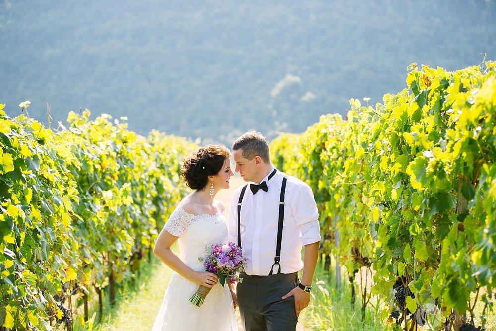 Elin og Didrik giftet seg i Italia. Dette er fra et mer tradisjonelt bryllup med gjester, men litt utenlands-inspo hvis dere vil elope til Italia. Foto: Jan Ivar Vik. Trykk på bildet for å se flere bilder.