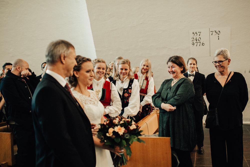 Bryllup_bryllupsfotograf_tromsø_bryllupsbilder120.jpg