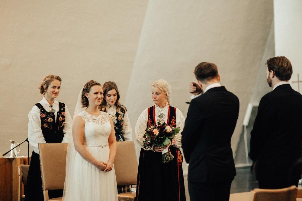 Bryllup_bryllupsfotograf_tromsø_bryllupsbilder121.jpg