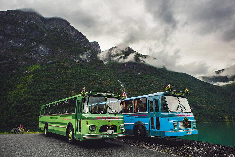 Lei kule busser til å frakte gjestene fra A til B. Foto:  Eirik Halvorsen