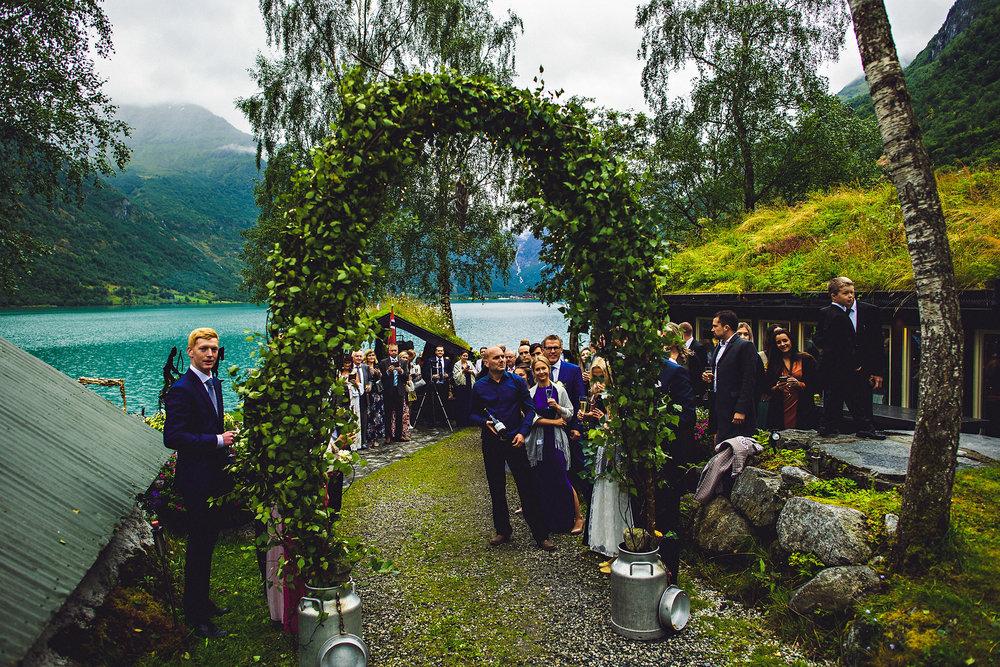 Bryllup på Yrineset i Oldedalen bryllupsfotograf sogn og fjordane-19.jpg