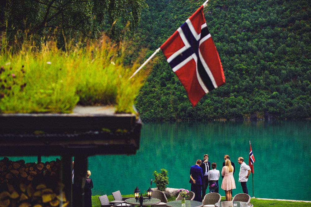Bryllup på Yrineset i Oldedalen bryllupsfotograf sogn og fjordane-33.jpg