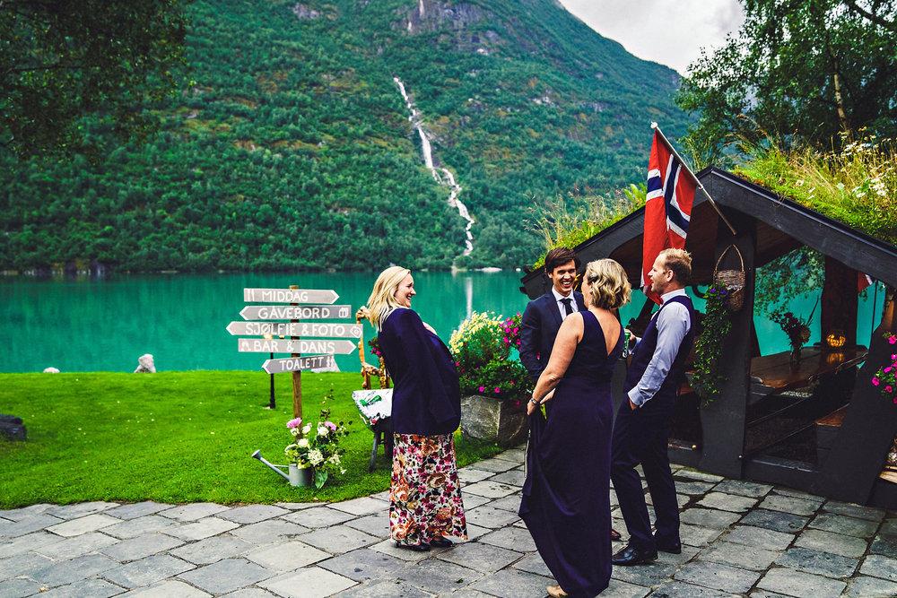Bryllup på Yrineset i Oldedalen bryllupsfotograf sogn og fjordane-35.jpg