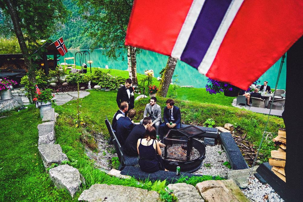 Bryllup på Yrineset i Oldedalen bryllupsfotograf sogn og fjordane-37.jpg