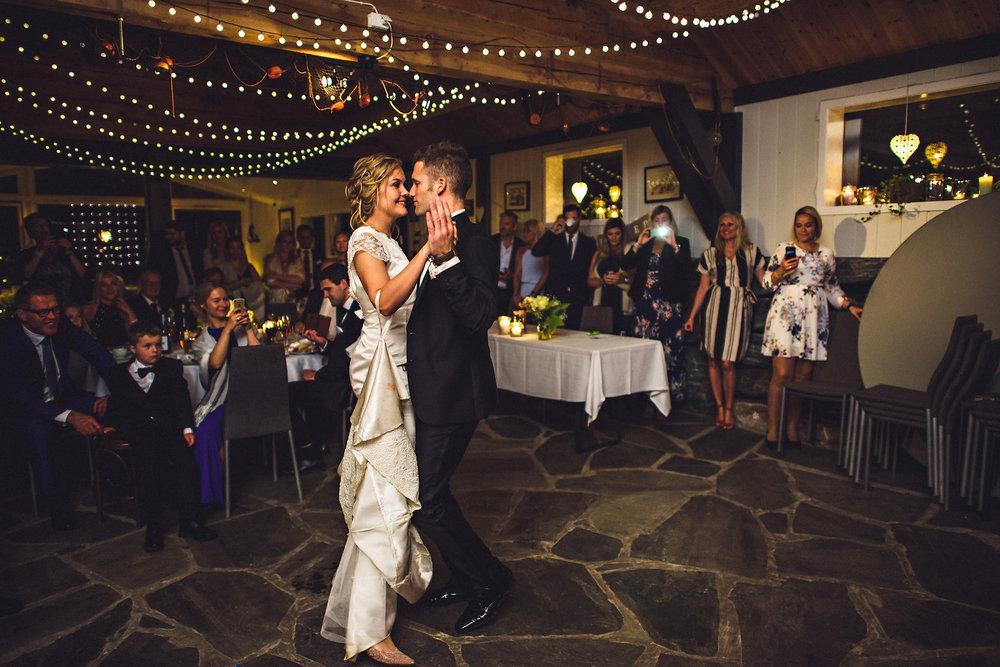 Bryllup på Yrineset i Oldedalen bryllupsfotograf sogn og fjordane-49.jpg