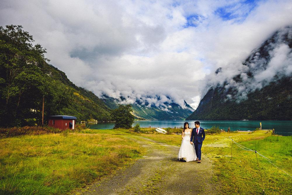 Bryllup på Yrineset i Oldedalen bryllupsfotograf sogn og fjordane-58.jpg