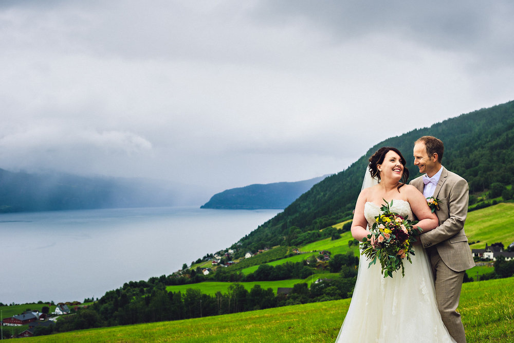 Bryllup på Yrineset i Oldedalen bryllupsfotograf sogn og fjordane-2.jpg
