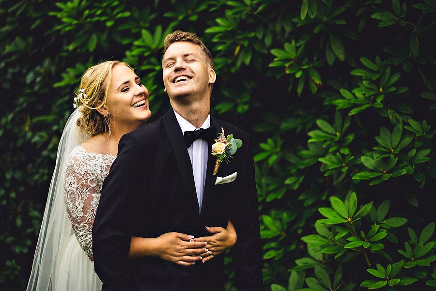 bryllupsbilder på barndomsgården fotograf stavanger