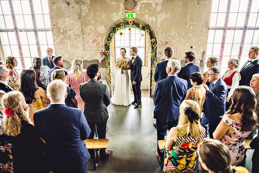 bryllup med vielse på tou scene i stavanger