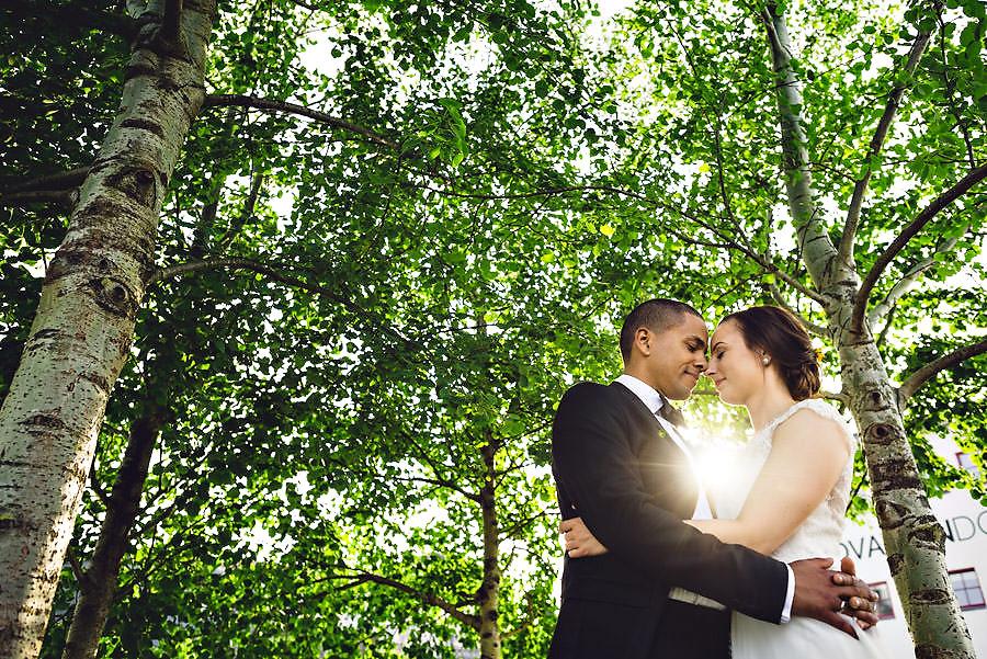 bryllupsbilde ved innovation dock fotograf i stavanger