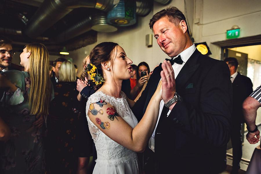 bryllupsfotograf stavanger første dans på tou scene