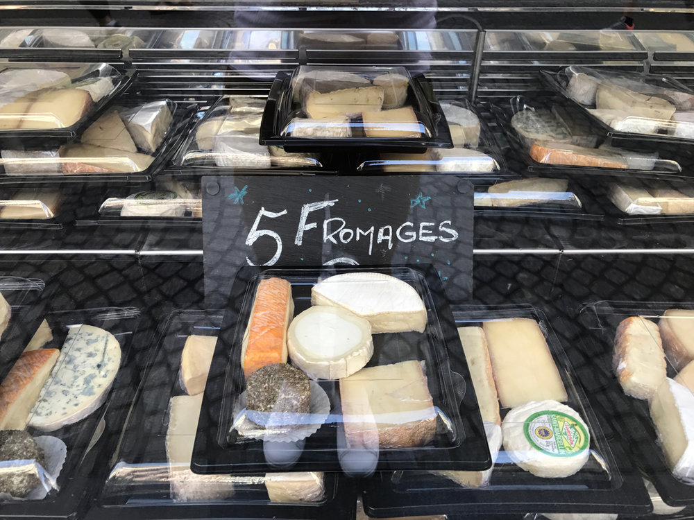 New week, new cheese box! 5 for 9 euro.
