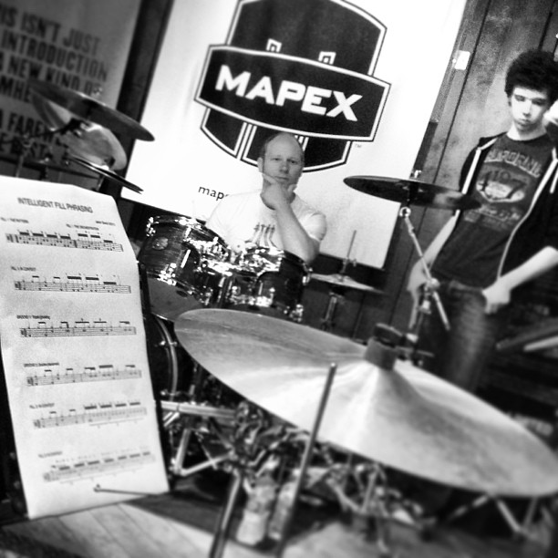 @jasonbowld masterclass in full flow, one of our student Ben Scott and him listen to another students demo #drumstars #masterclass #mapex #evans