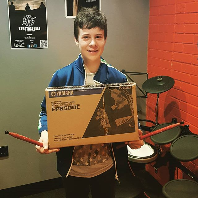Matthew is over the moon with is Yamaha pedal he won from the Yamaha Future beat competition #drumstarsuk #drumshopuk #yamahafuturebeat #yamahadtx