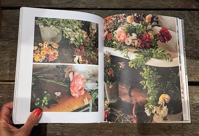 The joys of having a few hours completely to myself & to find @petalon_flowers beautiful new book in one of my favourite stores @anthropologie #citydays #bookshopping #timeout #metime